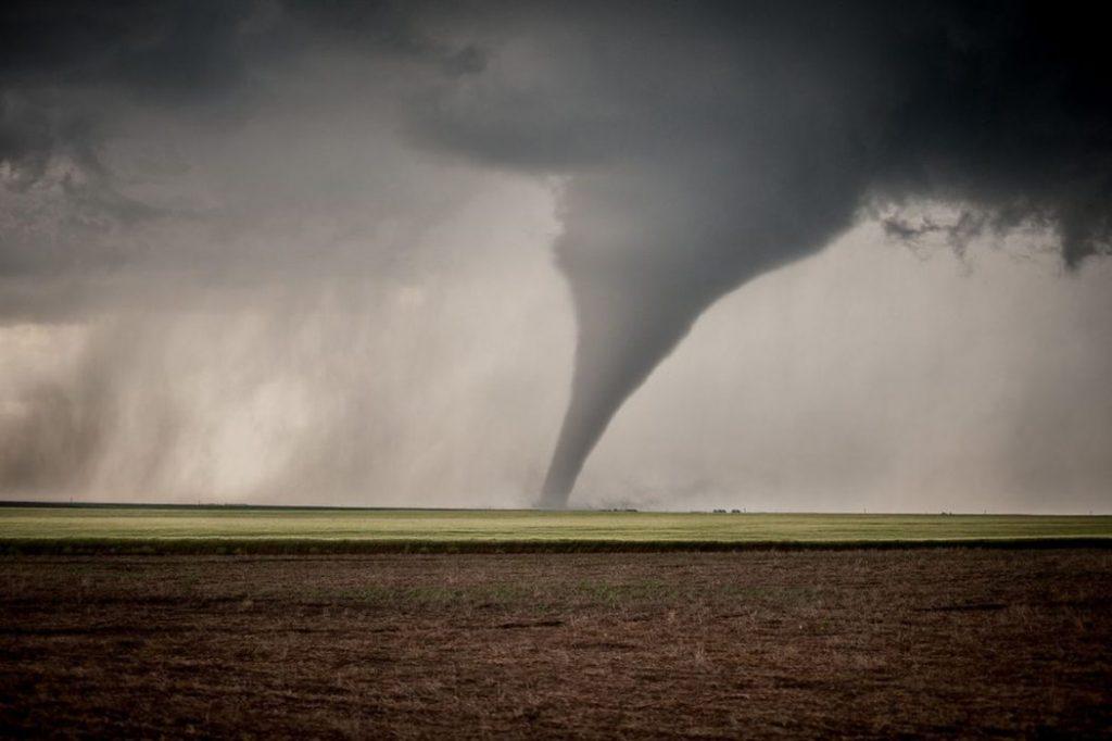 Tornado Cile: potentissimo ciclone si abbatte su Los Angeles. Il video